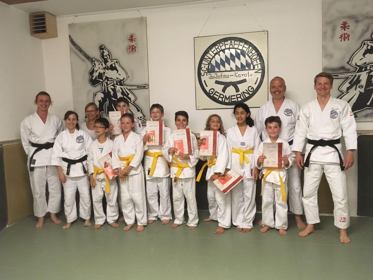 Erfolgreiche Ju-Jutsu Kinderprüfungen